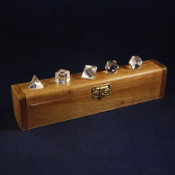Σετ πλατωνικών στερεών από χαλαζία σε ξύλινο κουτί